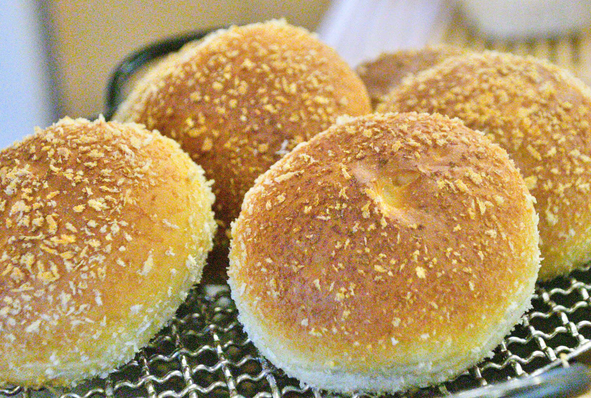 焼きカレーパンセット(和牛ごろごろカレーパン6個、さばカレーパン6個)